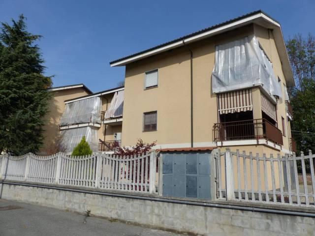 Appartamento in buone condizioni arredato in affitto Rif. 6922207