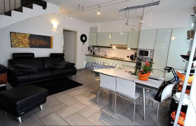 Appartamento in ottime condizioni parzialmente arredato in vendita Rif. 6932352
