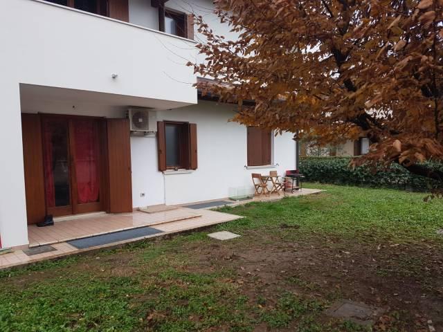 Appartamento parzialmente arredato in vendita Rif. 6938341