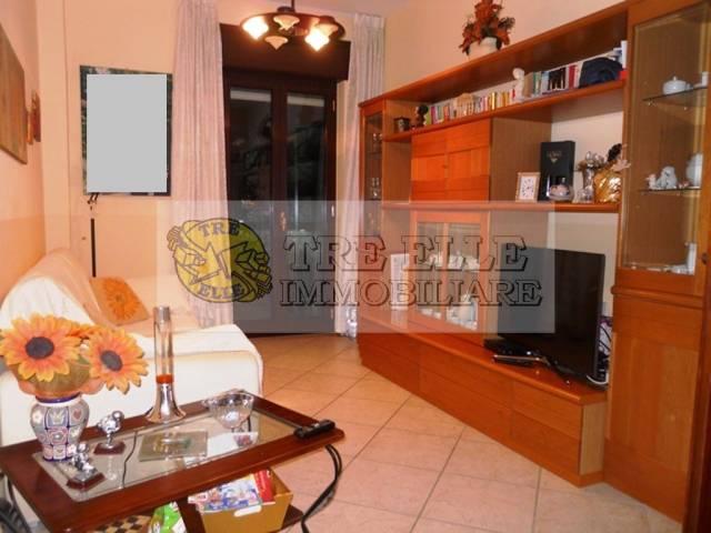 Appartamento in buone condizioni in vendita Rif. 6936118