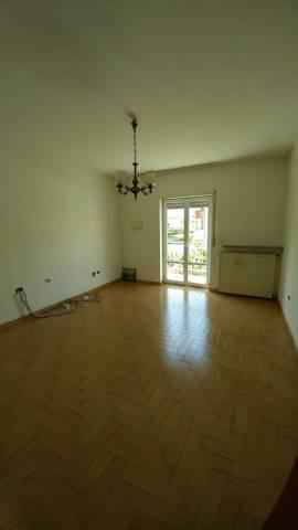 Appartamento in buone condizioni in vendita Rif. 6934750
