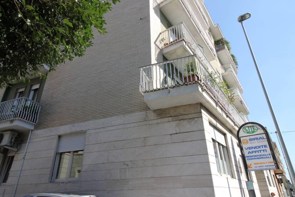 Appartamento in buone condizioni parzialmente arredato in affitto Rif. 6931863