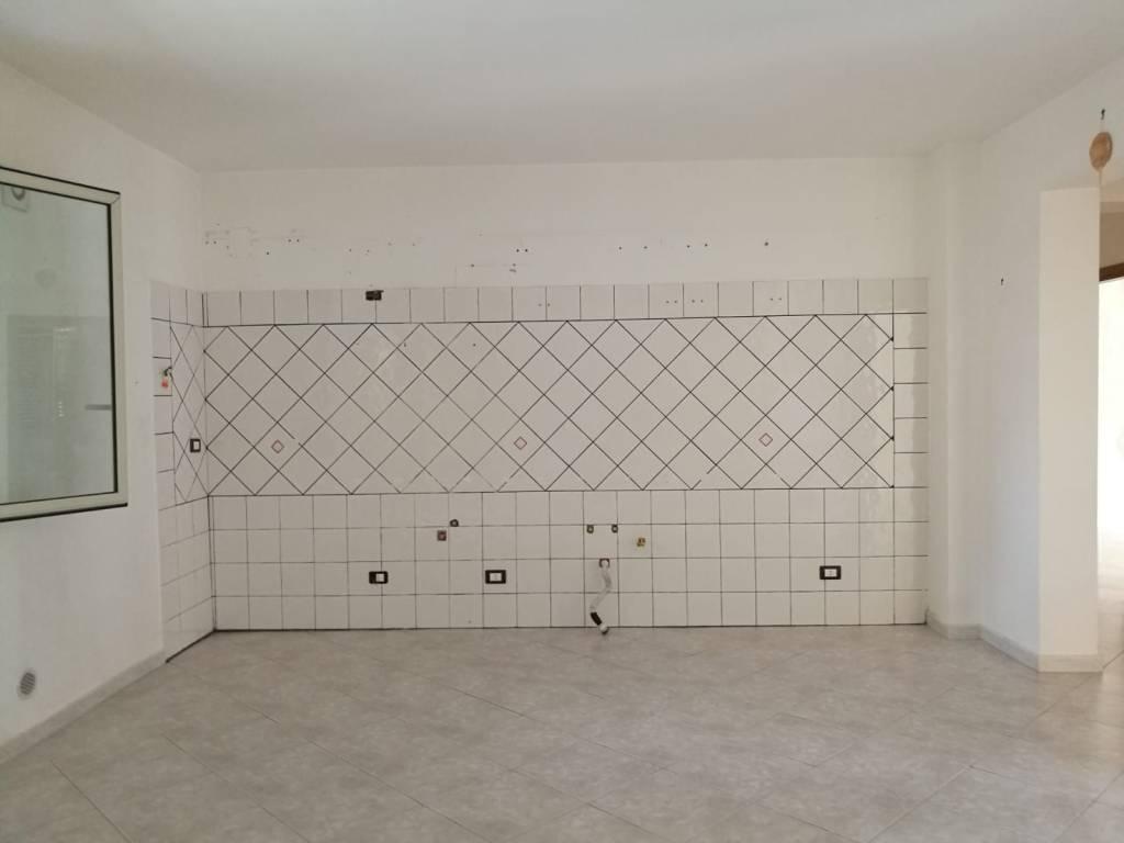 Appartamento in ottime condizioni in vendita Rif. 8228389