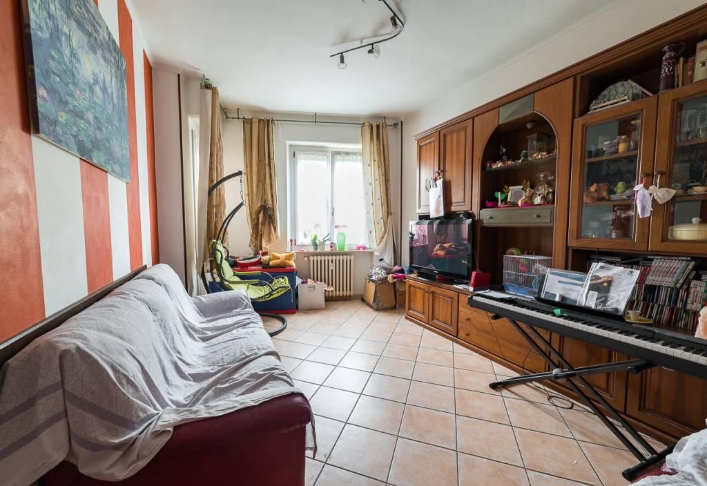 Appartamento in buone condizioni in vendita Rif. 8287303