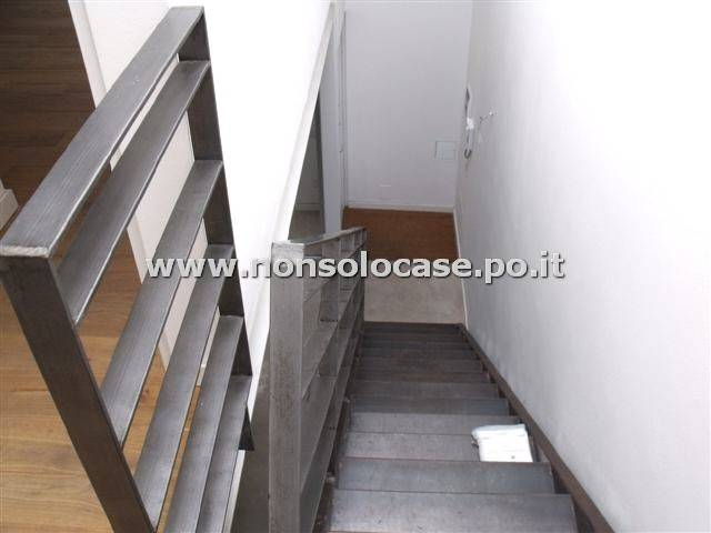 Semicentro: loft su 2 livelli oltre terrazzo