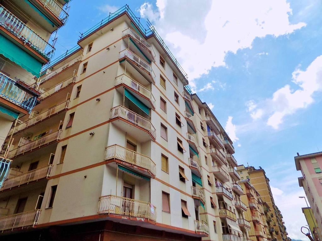 Appartamento in buone condizioni in vendita Rif. 6931786