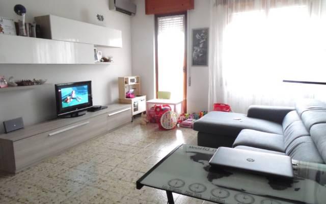 Appartamento in buone condizioni in vendita Rif. 6932901