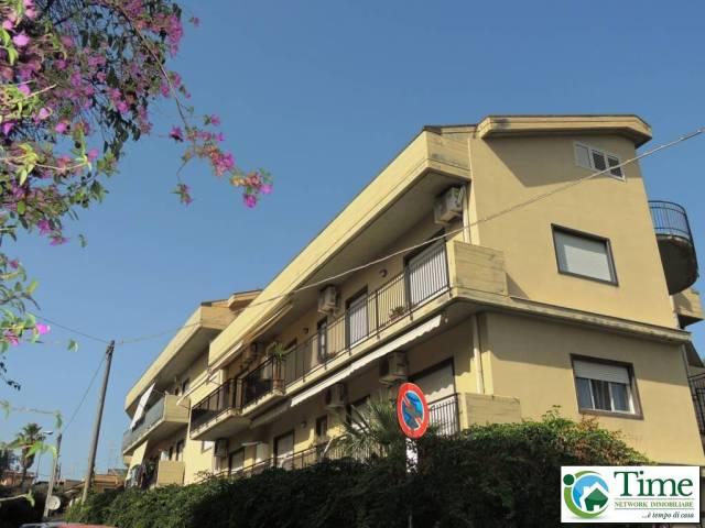 Appartamento in buone condizioni in vendita Rif. 6933337