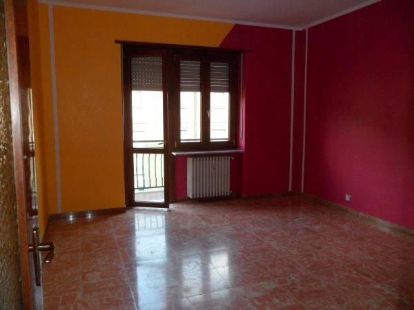 Alba Corso Piave affittasi appartamento vuoto