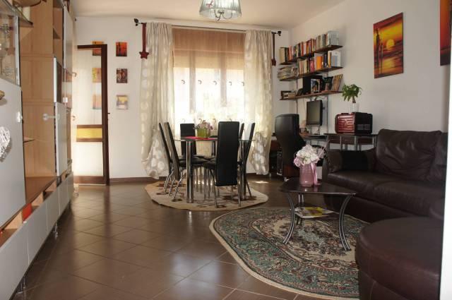 Appartamento in buone condizioni parzialmente arredato in vendita Rif. 6931048