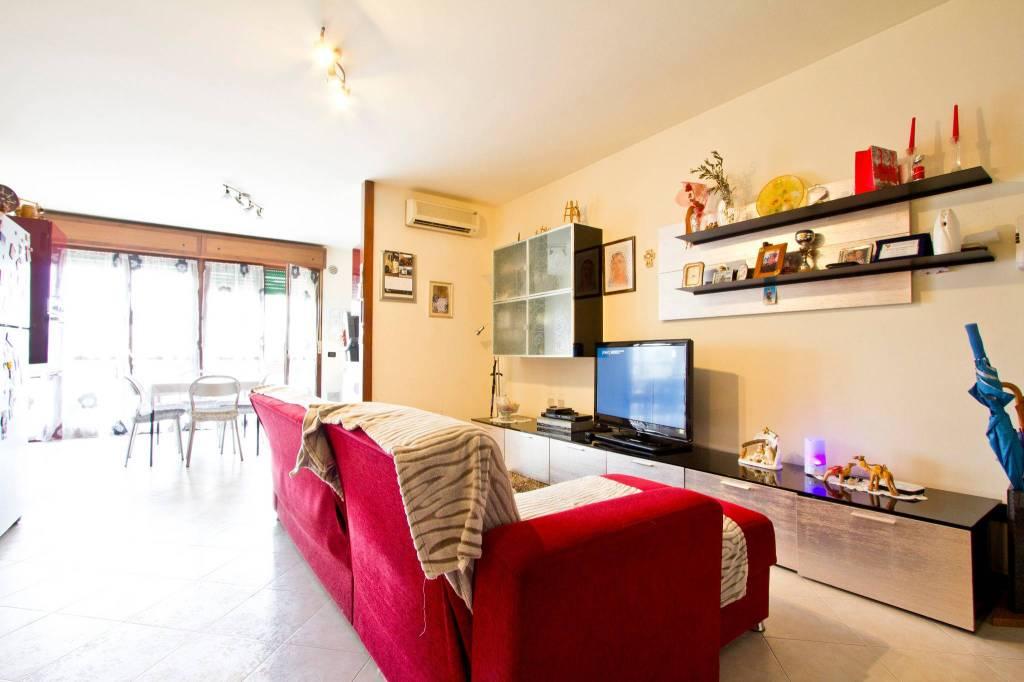 Soave, ampio Appartamento su 2 livelli con cantina e garage.