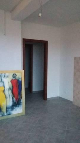 Appartamento in ottime condizioni parzialmente arredato in affitto Rif. 6935711