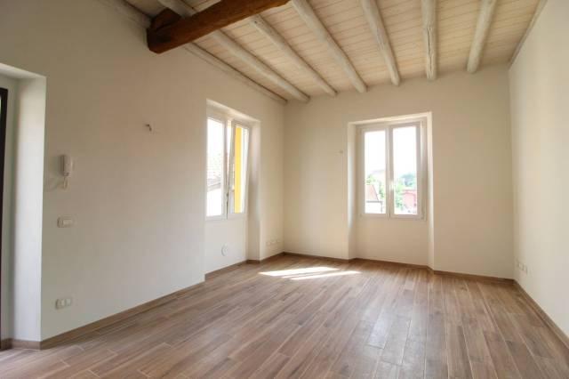 Appartamento in ottime condizioni in vendita Rif. 6953266