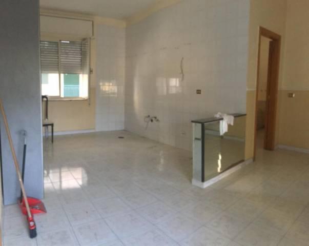 Appartamento in buone condizioni in affitto Rif. 6930893