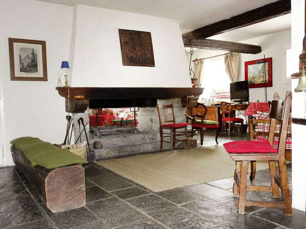 Villa in buone condizioni parzialmente arredato in vendita Rif. 9217261