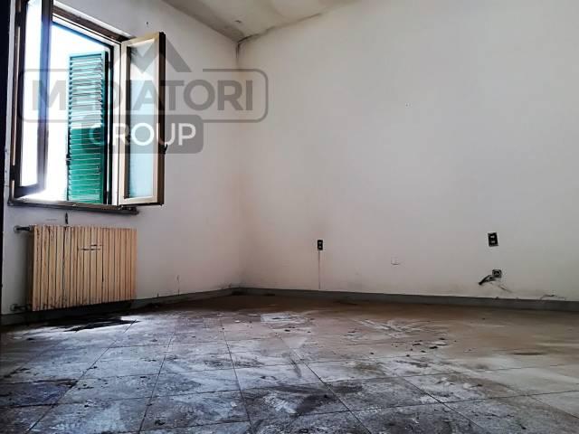 Casa Indipendente da ristrutturare in vendita Rif. 7005655