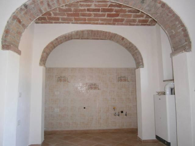 Appartamento in buone condizioni in vendita Rif. 6758700