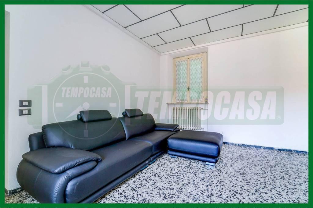 Appartamento in buone condizioni arredato in vendita Rif. 6949518