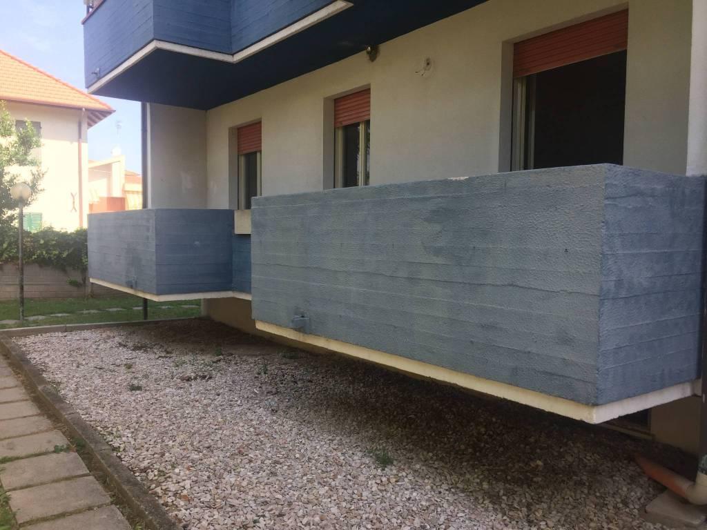 Appartamento da ristrutturare in vendita Rif. 6953103