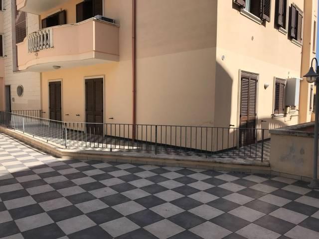 Appartamento in Affitto a Cavallino Centro: 5 locali, 150 mq