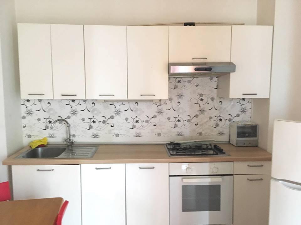 Appartamento in buone condizioni arredato in affitto Rif. 7421282