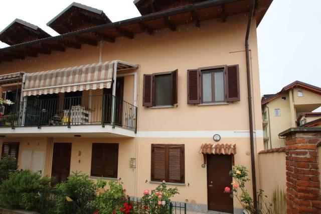 Appartamento in buone condizioni arredato in vendita Rif. 6949233
