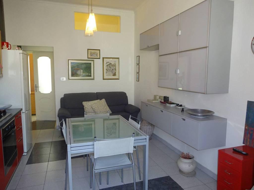 Foto 1 di Bilocale via Nizza 253, Torino (zona Valentino, Italia 61, Nizza Millefonti)