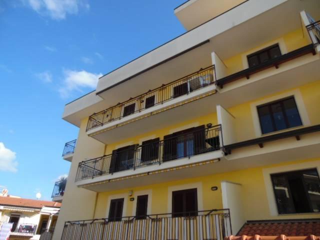 Appartamento in ottime condizioni parzialmente arredato in vendita Rif. 6740495