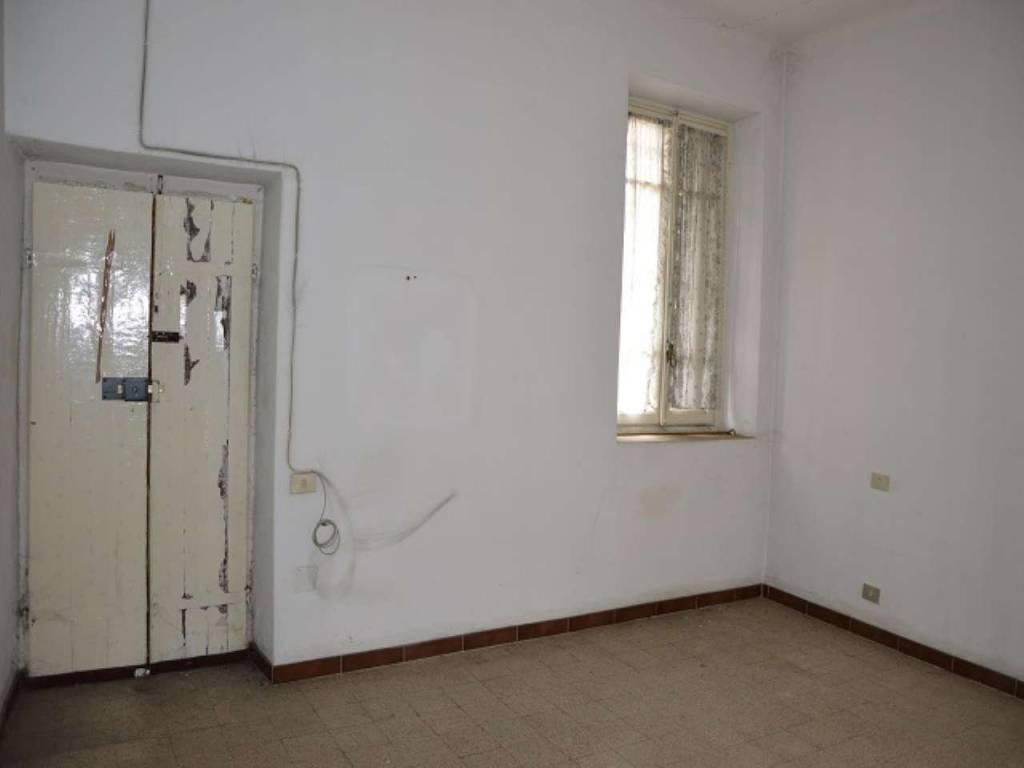 Appartamento in vendita a Cardano al Campo, 2 locali, prezzo € 43.000 | CambioCasa.it