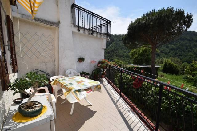 Appartamento in ottime condizioni parzialmente arredato in vendita Rif. 6947599
