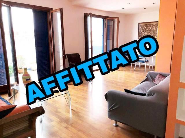 Attico / Mansarda in ottime condizioni arredato in affitto Rif. 6952665