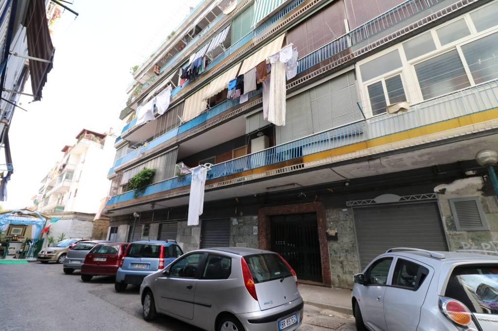 Appartamento da ristrutturare arredato in vendita Rif. 6946588
