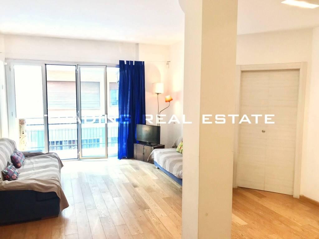 Appartamento in vendita 3 vani 108 mq.  via Ferdinando Galiani Roma