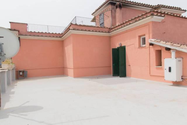 Bilocale con splendido terrazzo nel centro storico di Tivoli