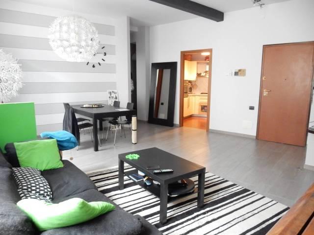 Appartamento in ottime condizioni parzialmente arredato in vendita Rif. 6950521