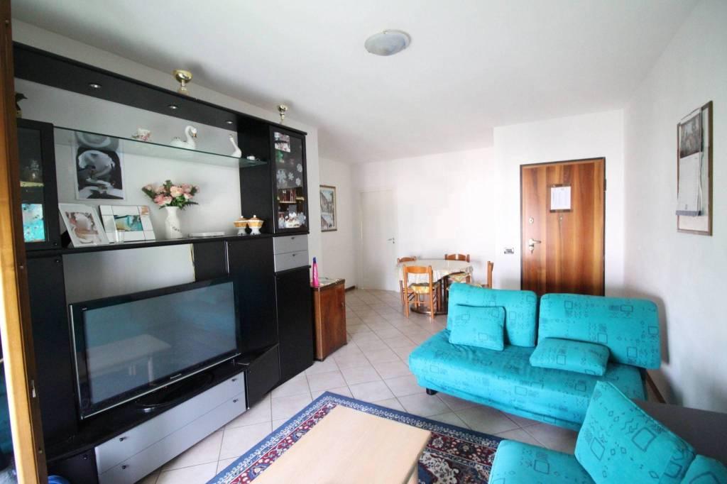 Appartamento in buone condizioni in vendita Rif. 6948642