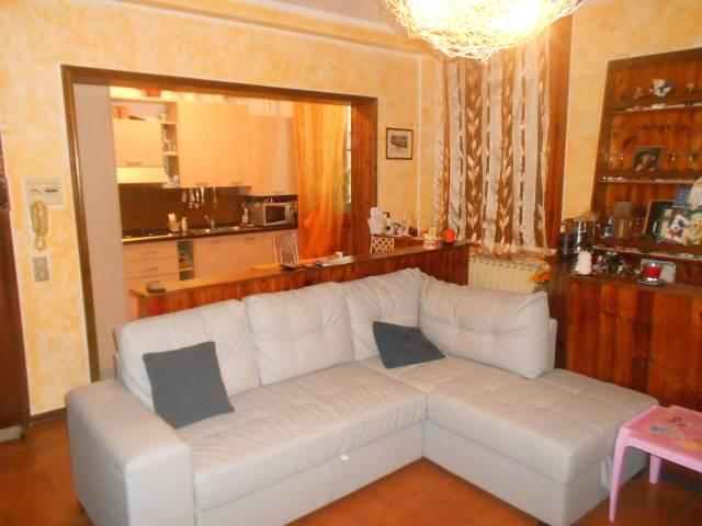Appartamento in buone condizioni in affitto Rif. 6947587