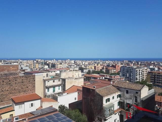 Appartamento quadrilocale in affitto a Catania (CT)