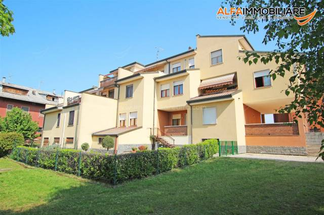 Appartamento in ottime condizioni in vendita Rif. 6950053