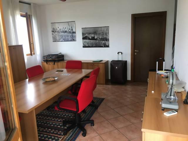 Appartamento in ottime condizioni in vendita Rif. 6954967