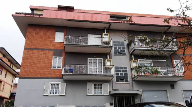 Appartamento in buone condizioni in vendita Rif. 6949772