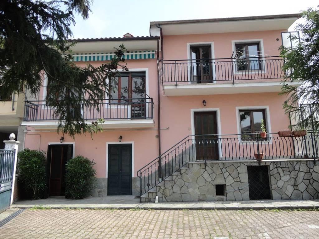 Foto 1 di Rustico / Casale via Paperia 6, Piossasco