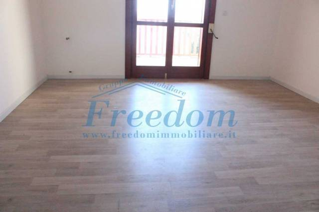Appartamento in ottime condizioni in affitto Rif. 6965196