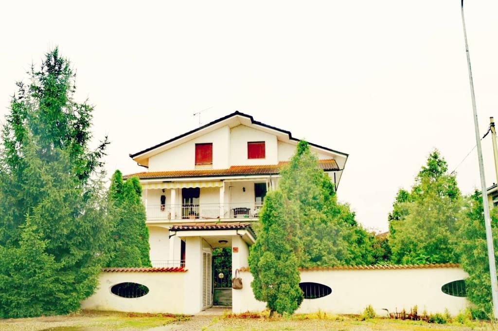 Villa in buone condizioni in vendita Rif. 8465403