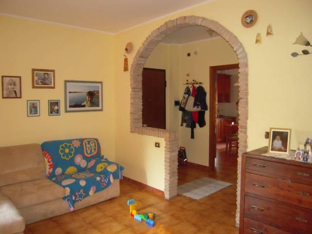 Appartamento in ottime condizioni arredato in vendita Rif. 6965318