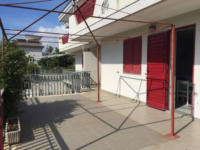 Appartamento in buone condizioni in vendita Rif. 6969829