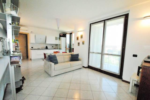 Appartamento in ottime condizioni in vendita Rif. 6977963