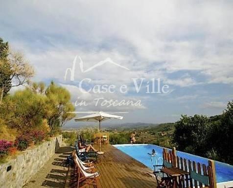 Villa storica in collina con splendida vista