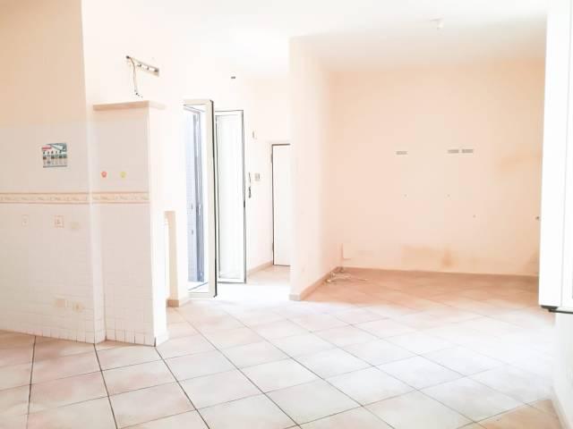 Appartamento in ottime condizioni in affitto Rif. 6977964