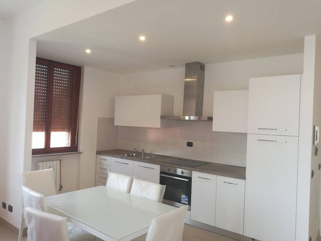 Appartamento in ottime condizioni arredato in affitto Rif. 6974200